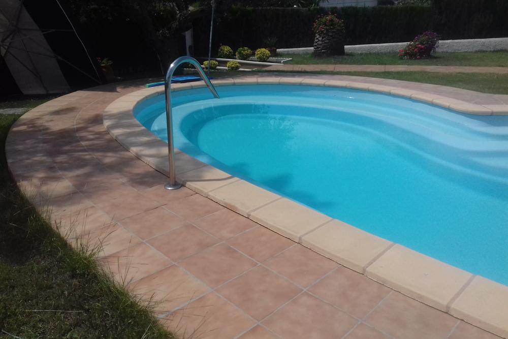 Precio piscinas poliester great polister eurosur empresa fabricante de piscinas depsitos y - Fabricante de piscinas ...